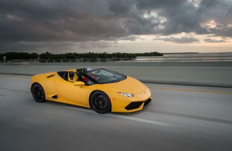 2018 Lamborghini Huracan Spyder Exterior Front Passenger Side Profile