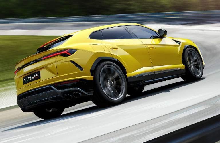 2018 Lamborghini Urus SSUV Exterior Passenger Side Rear