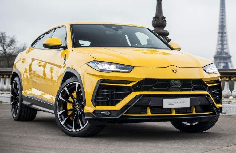 2018 Lamborghini Urus Exterior Passenger Side Front