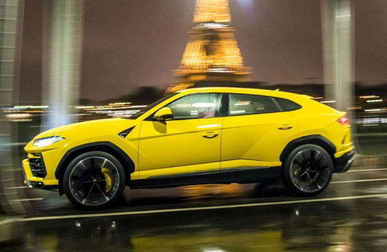 2018 Lamborghini Urus Exterior Driver Side Profile