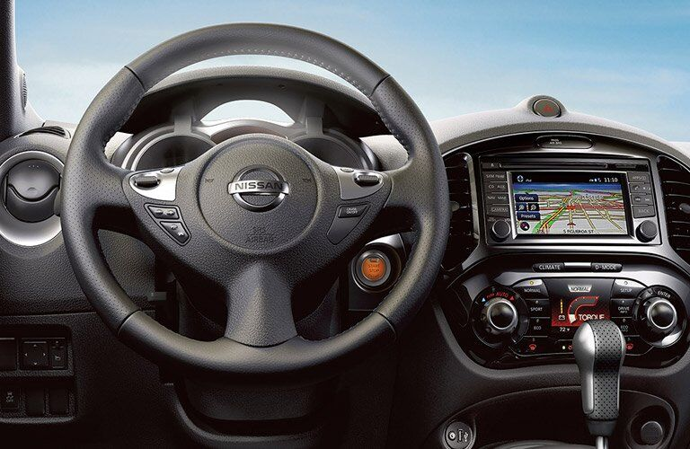 2017 Nissan Juke steering wheel and navigation screen