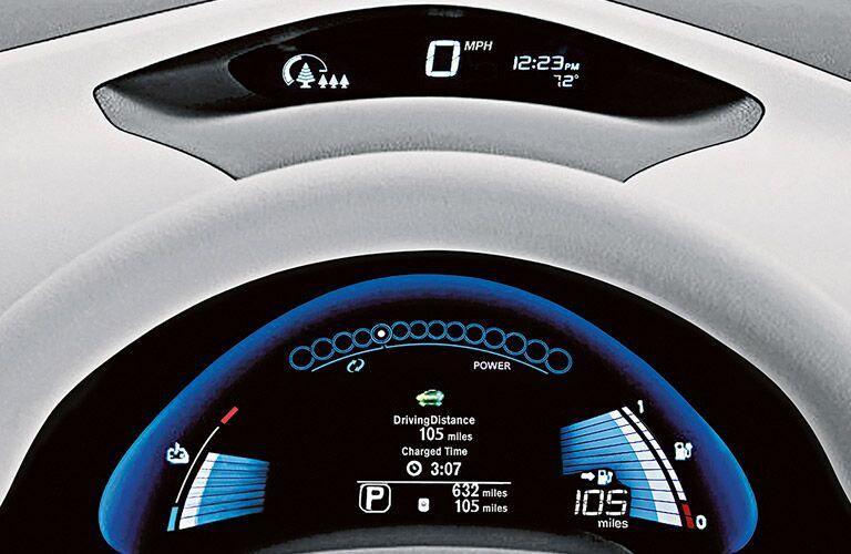 2017 Nissan Leaf instrument display