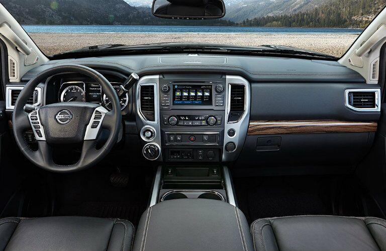 2017 Nissan Titan interior steering wheel and dashboard