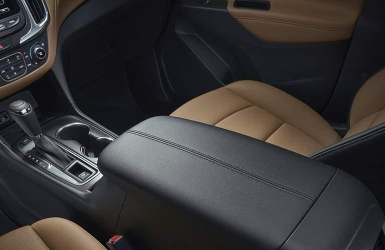 2018 Chevrolet Equinox armrest