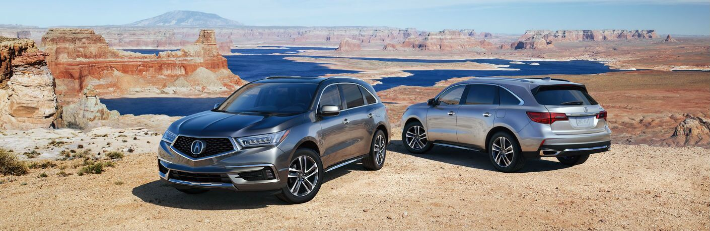 Front and Rear View of the 2017 MDX