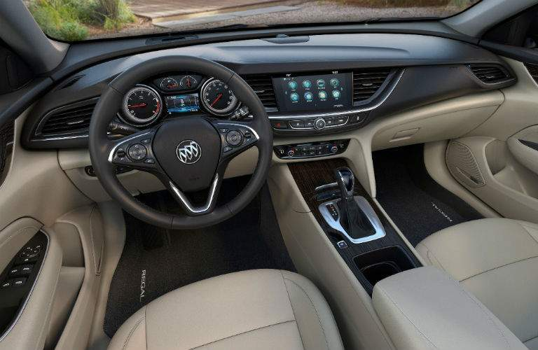 2018 Buick Regal Sportback interior features
