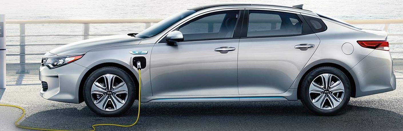 2018 kia optima plug-in hybrid full view while plugged in