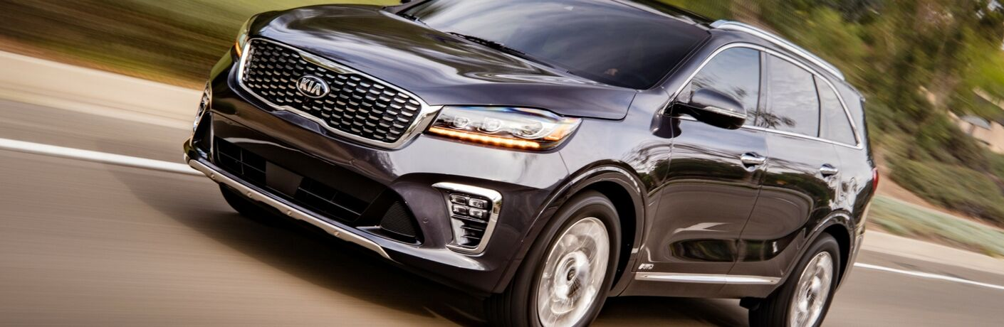 2019 kia sorento driving full view
