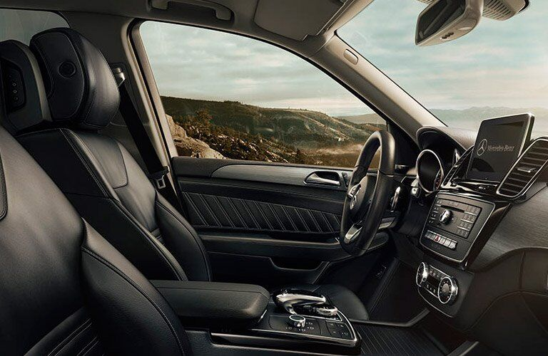black front seats of the 2017 Mercedes-Benz GLE