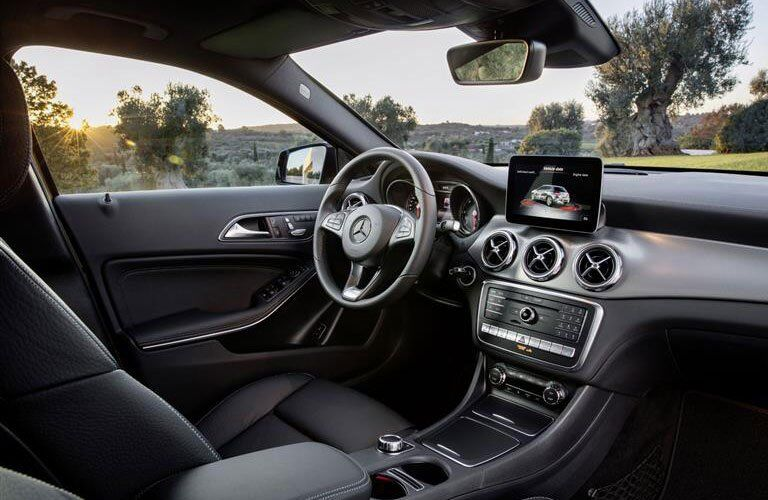 dashboard view of the 2018 Mercedes-Benz GLA with a sunny background