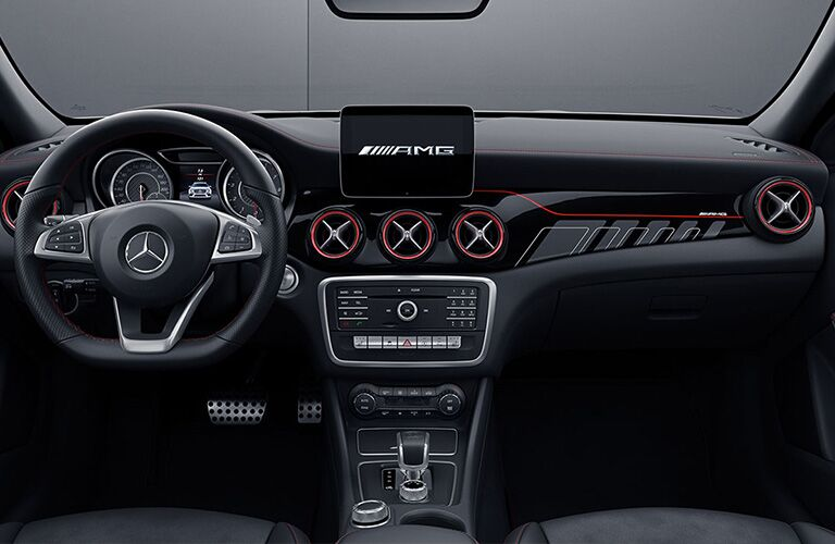 Steering wheel and dashboard in 2019 Mercedes-Benz GLA