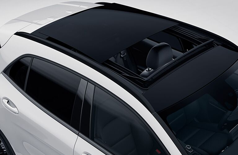 2019 Mercedes-Benz GLA sunroof