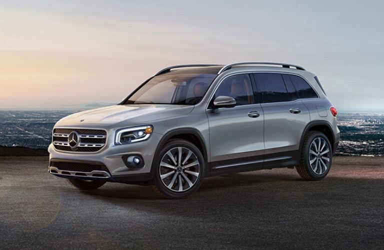 2020 Mercedes-Benz GLB SUV from exterior front drivers side