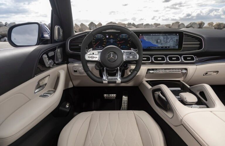Interior front dash of 2021 GLE