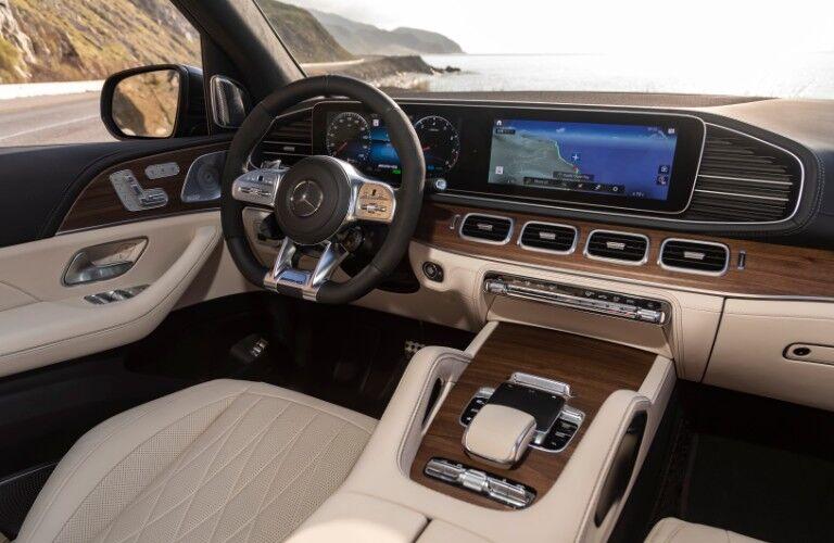 2021 Mercedes-AMG GLS interior front dash