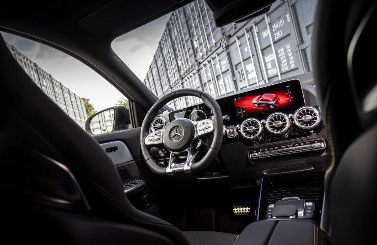 2021 Mercedes-Benz GLA front dash