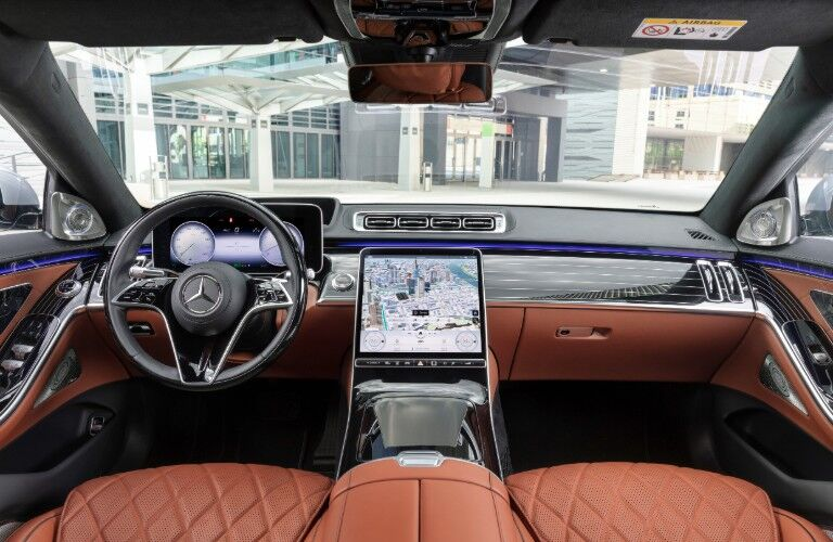 Displays and front dash of 2021 Mercedes-Benz S-Class