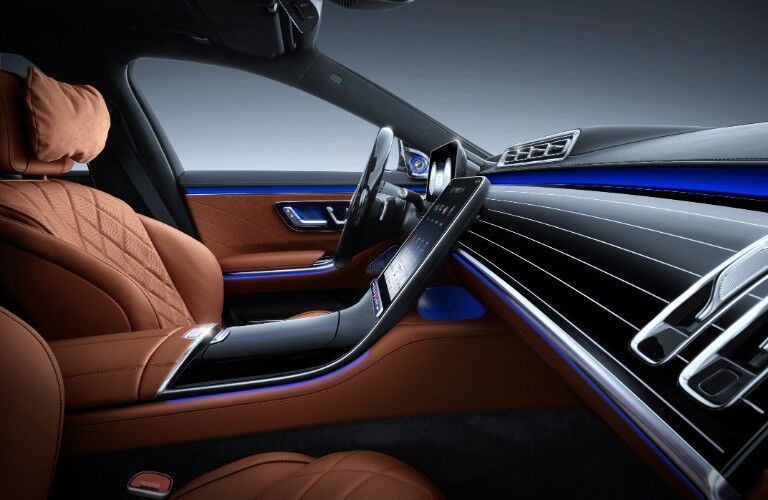 Front dash of 2021 Mercedes-Benz S-Class
