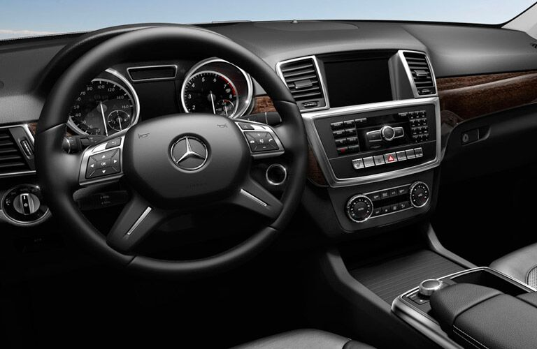 Pre-Owned Mercedes M-Class in Queens, NY features