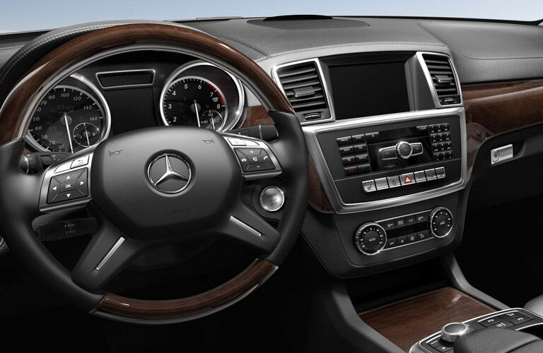 Interior of Mercedes-Benz GL-Class Center Dashboard and Steering Wheel
