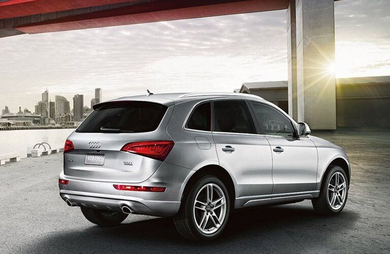 Exterior View of Audi Q5 Rear End View in Silver