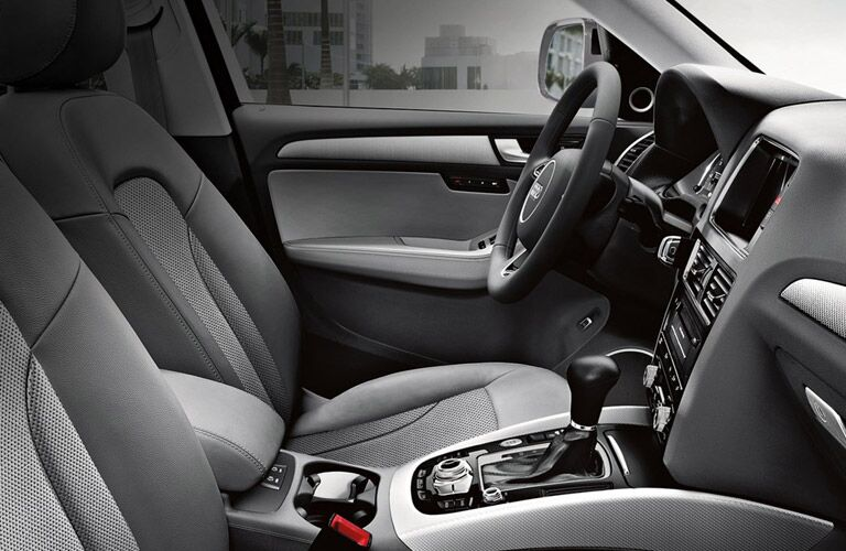 Interior View of Audi Q5 Front Seats and Steering Wheel