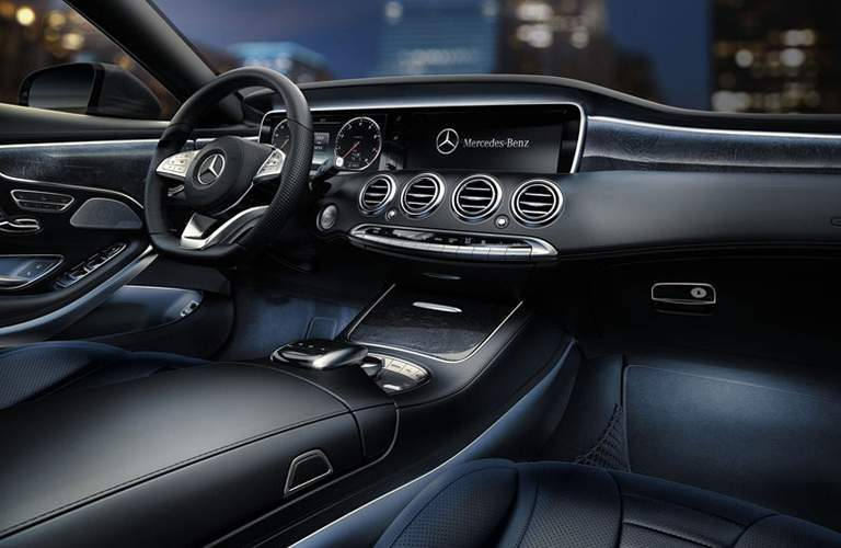 2018 Mercedes-Benz S-Class Coupe interior dash view