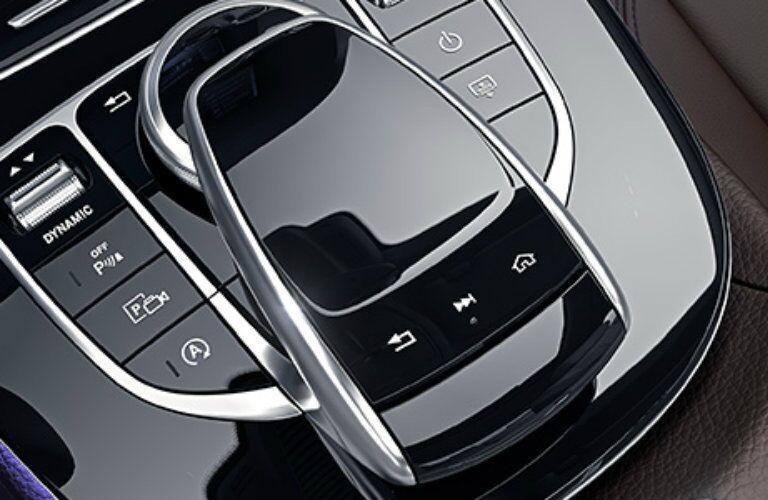 Mercedes-Benz E-Class COMMAND control