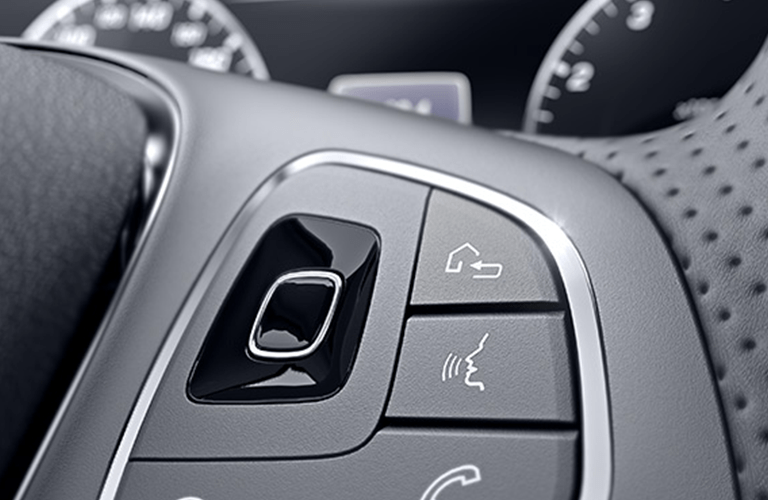 2018 Mercedes-Benz E 300 steering wheel controls