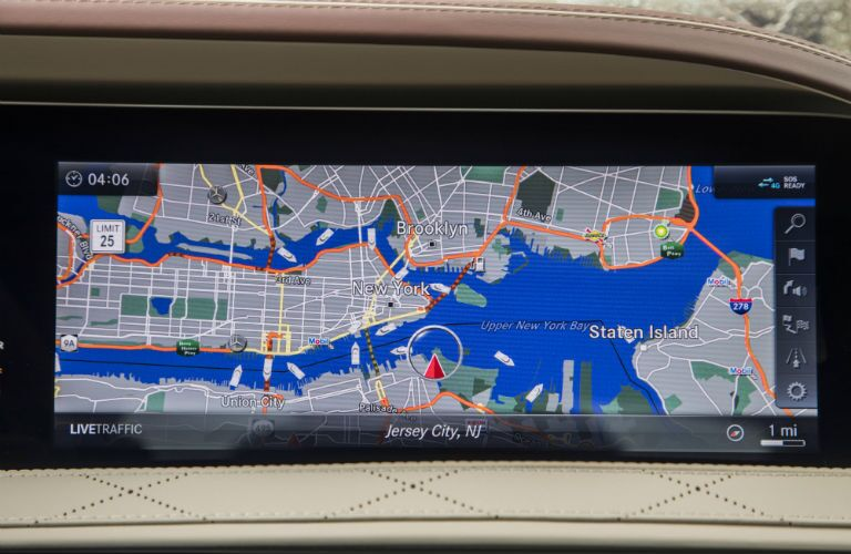 Color touchscreen display of the 2018 Mercedes-Benz S-Class
