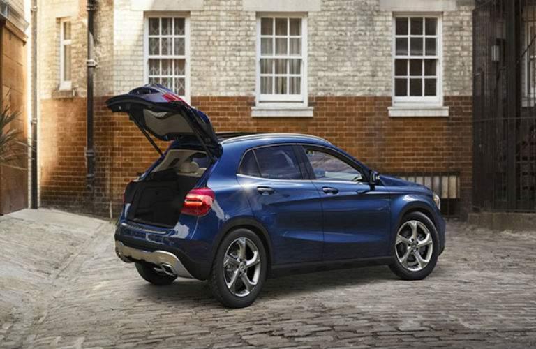 2018 Mercedes-Benz GLA exterior cargo view
