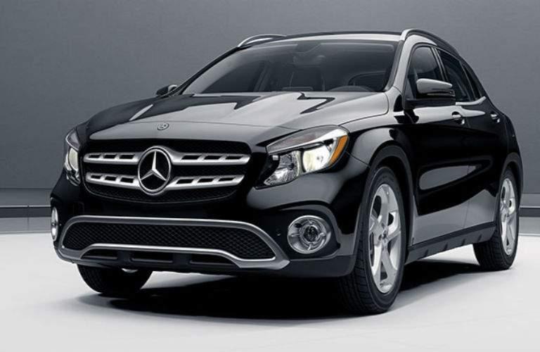 2018 Mercedes-Benz GLA exterior front view