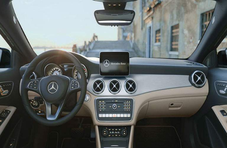 2018 Mercedes-Benz GLA interior front view  dashboard