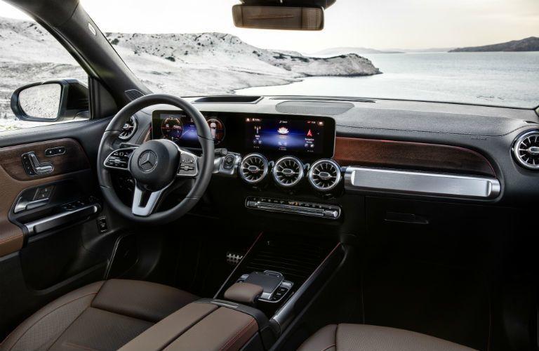 2020 Mercedes-Benz GLB front interior