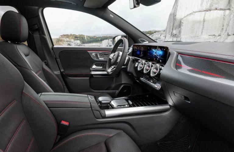 2021 Mercedes-Benz GLA front interior