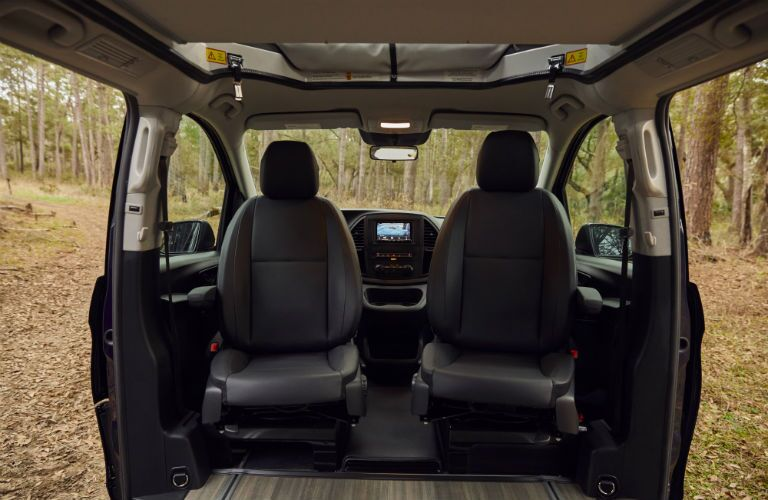 Mercedes-Benz Weekender with front seats facing back