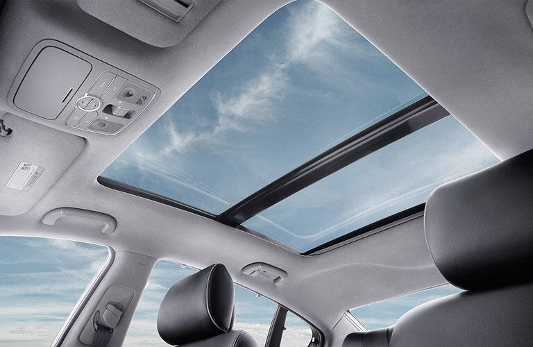 View of Sunroof in the 2017 Kia K900