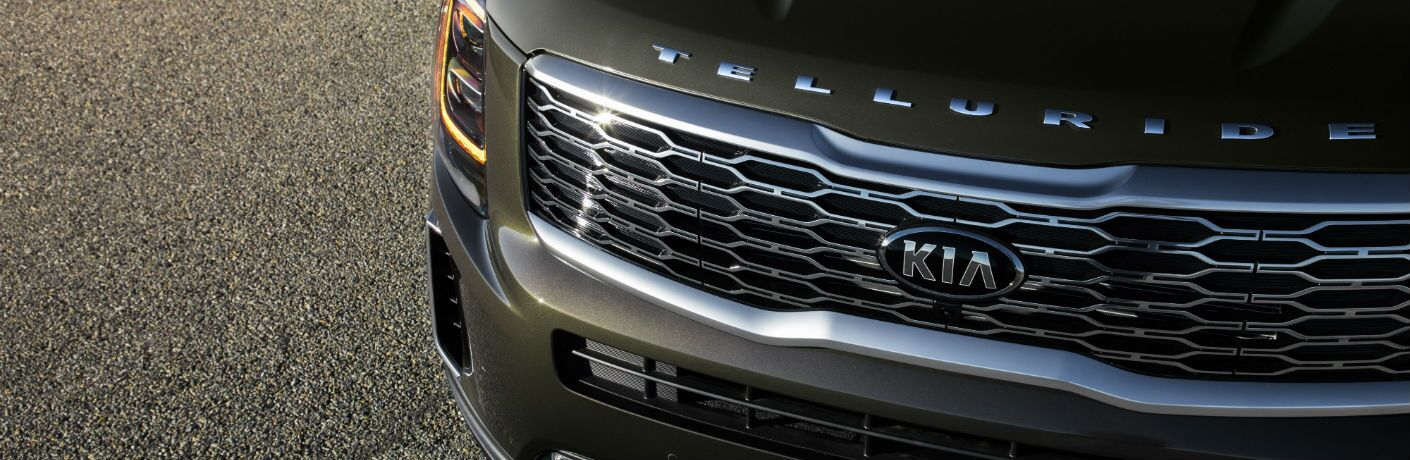 A photo of the grille on the 2020 Kia Telluride with the Telluride badge.