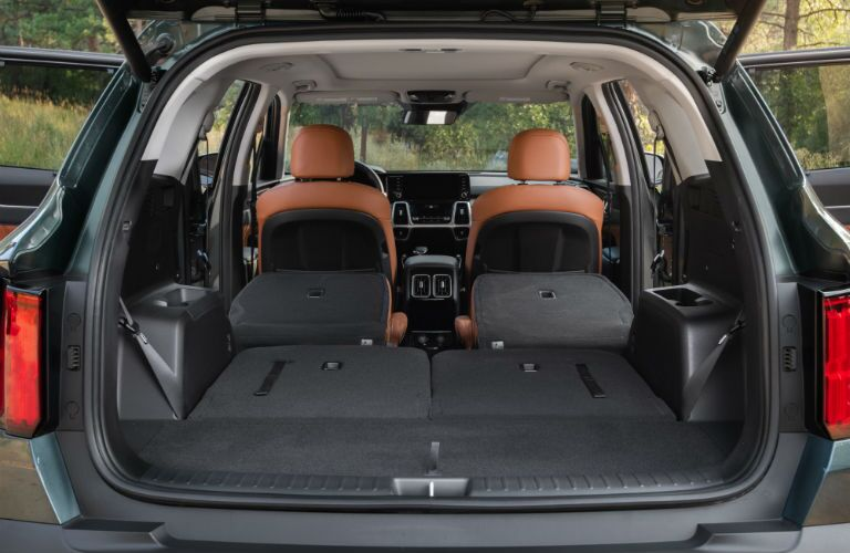 A photo of the max cargo configuration available in the 2021 Kia Sorento.