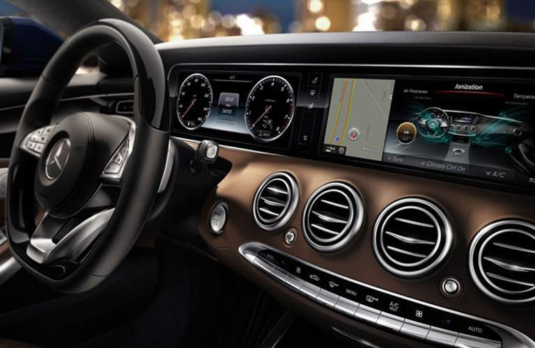 driver dash and infotainment system of a 2018 Mercedes-Benz S-Class Coupe