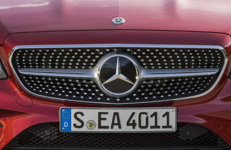 2018 Mercedes-Benz E-Class Cabriolet front exterior grille and logo
