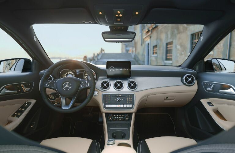 Steering wheel and dashboard of the 2018 Mercedes-Benz GLA