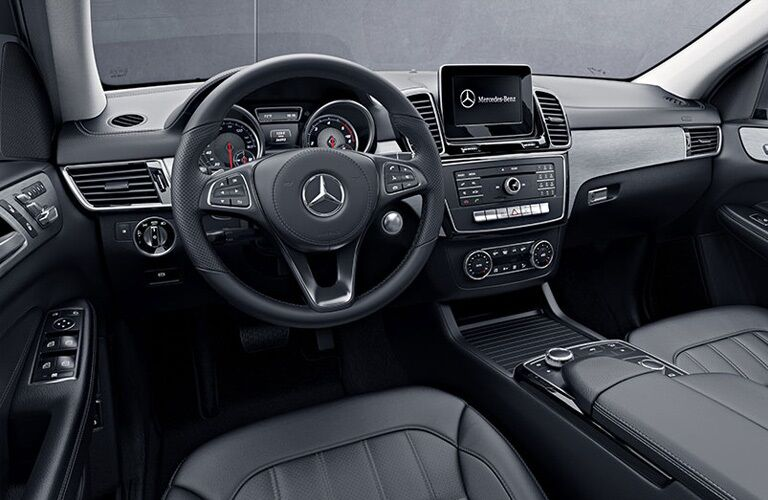 Cockpit view in the 2019 Mercedes-Benz GLS