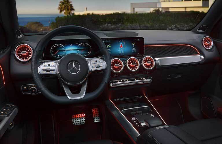 2020 Mercedes-Benz GLB dashboard and steering wheel