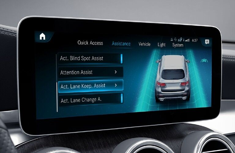 2021 Mercedes-Benz GLC Coupe touchscreen display