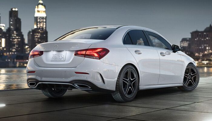 Finance a 2019 Mercedes-Benz A-Class from Loeber Motors near Evanston, IL