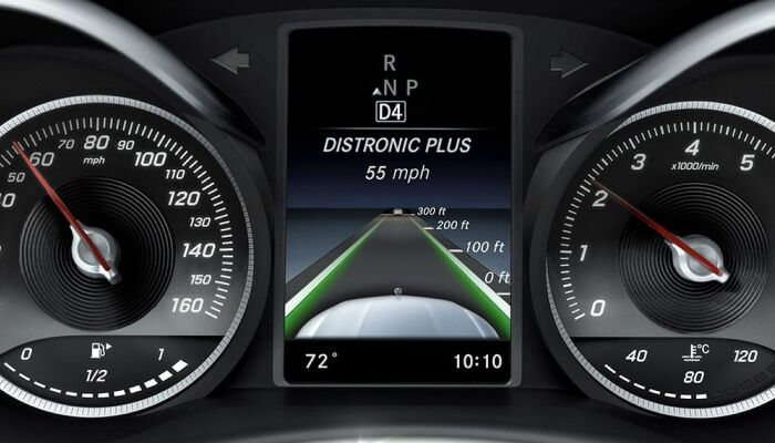 Digital instrument cluster inside the 2019 Mercedes-Benz GLC