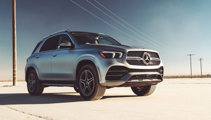 The sleek exterior of the 2020 Mercedes-Benz GLE