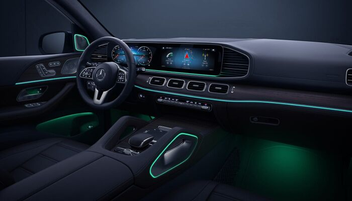 The luxurious interior of the 2020 Mercedes-Benz GLE