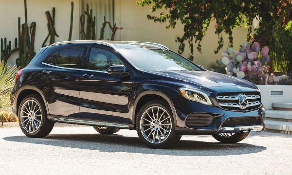 Finance a new Mercedes-Benz vehicle from Loeber Motors near Morton Grove, IL